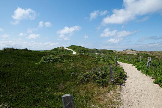 Rantum, der Weg durch das Naturschutzgebiet zum Strand.