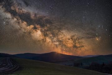 Fototapeta Wiosenna Droga Mleczna w Bieszczadach obraz