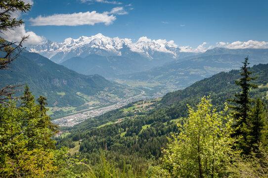 Sallanches et Mont Blanc vus de la chaîne des Aravis