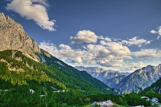 Slowenien Sommer 2021 Berge Panorama Pass Straße 1 Wandern