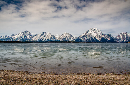 Ice breaks over Colter Bay