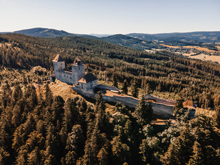Obraz Kasperk Castle in a sunny autumn day. Pusty Hradek viewpoint. South Bohemia, Sumava. Czech Republic - fototapety do salonu