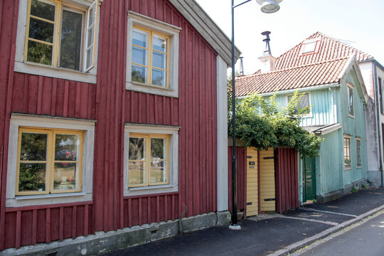 houses in the city