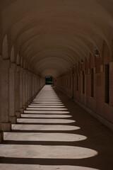 Fototapeta architektura kolumnada budynek łuki długi obraz