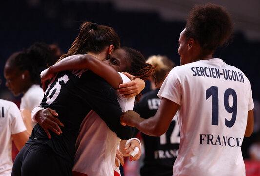 Handball - Women - Group B - France v Brazil