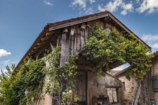 Monteton (Lot et Garonne, France) - Grange pittoresque