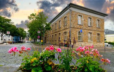Fototapeta Montabauer im Westerwald, alter Schulkomplex obraz