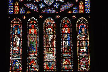 glas in lood raam in de kathedraal van Chartres - Frankrijk