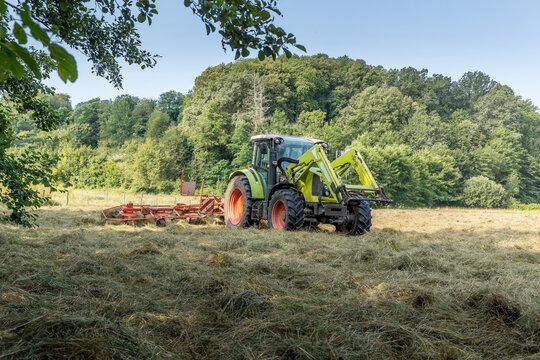 La moisson dans les champs