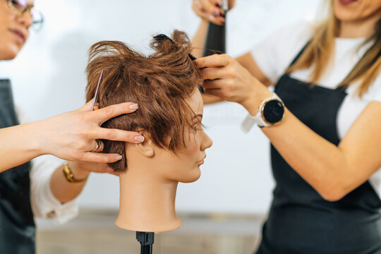 Hairdresser Education - Hairstyling Beginner Course