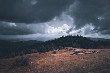 Fototapeta Górski krajobraz zapowiadający burzę obraz