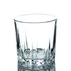 szklanka na białym tle