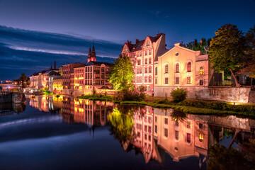 Fototapeta Opolska Wenecja i Stare Miasto w Opolu nocą obraz