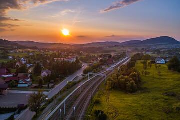Zachód słońca w małoplsce, gmina Grybów. Ptaszkowa