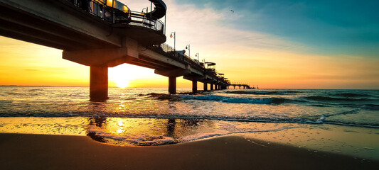 Fototapeta Molo zachód słońca obraz