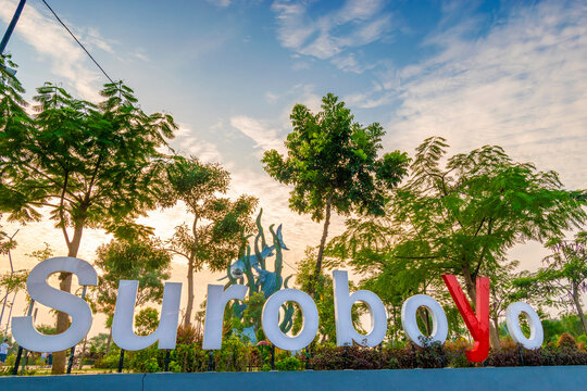 Suroboyo Park in the Bulak area, there is the largest statue Shark and Crocodile located on the Kenjeran beach, Surabaya.