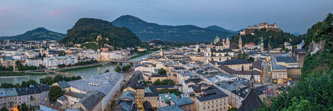 Salzburg in der Dämmerung