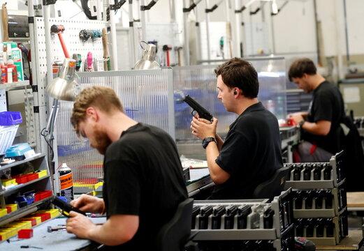 Czech gunmaker bets big on recharging iconic Colt brand