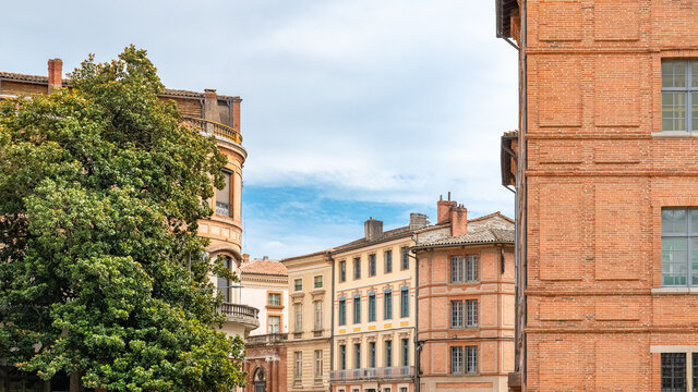 Montauban, beautiful french city in the South, old colorful houses
