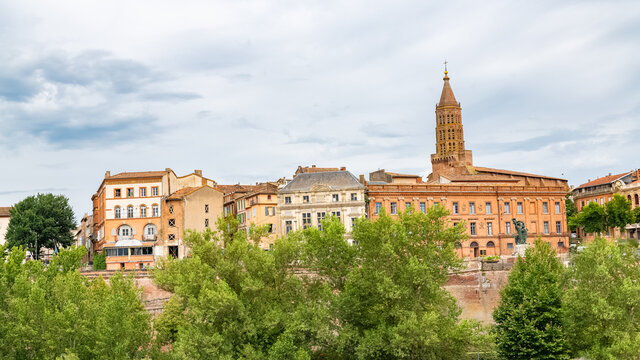 Montauban in France, beautiful french city in the South, panorama