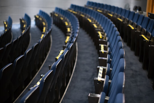 covid measures on theatre seats
