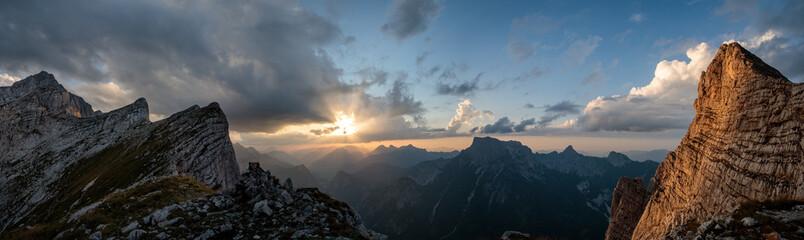 Fototapeta sunset in the mountains panorama obraz