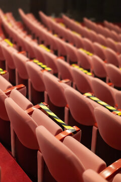 covid measures on theater seats