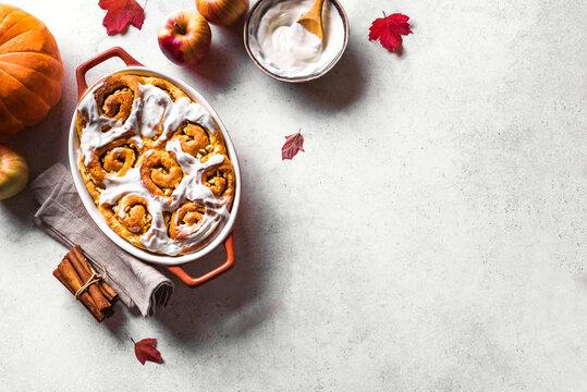 Pumpkin apples cinnamon rolls