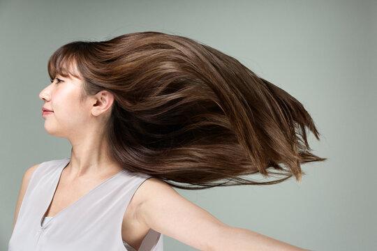 躍動感ある髪