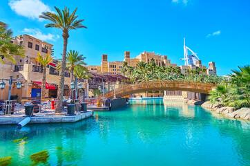 Fototapeta Recreation zone of Souk Madinat Jumeirah market, Dubai, UAE obraz