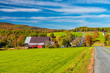 Fototapeta Amazing colors of New Hampshire countryside during foliage season, USA. obraz