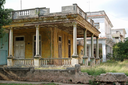 Elegant, dilapidated villa, Havana