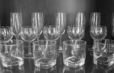 Fototapeta Szklane ozdoby w czerni i bieli. obraz