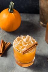 Fototapeta Boozy Refreshing Pumpkin Spice Bourbon Smash obraz