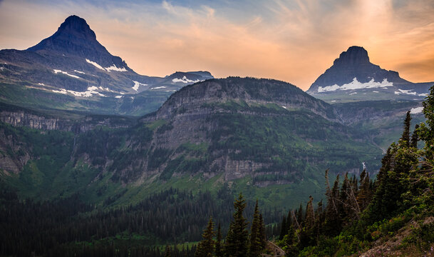 Beautiful Sunset Views on the Going-to-the-Sun Road, Glacier National Park, Montana