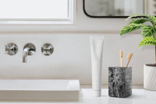 Clean bathroom, minimal home decor