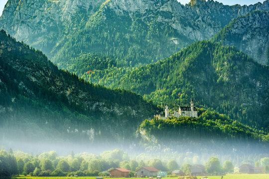 Juwel in ländlicher Umgebung: Schloss Neuschwanstein