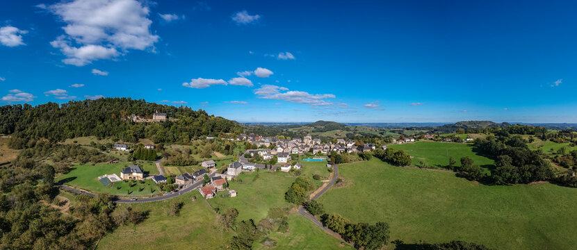 Perpezac le Blanc (Corrèze, France) - Vue panoramique aérienne sur le village et l'Yssandonnais