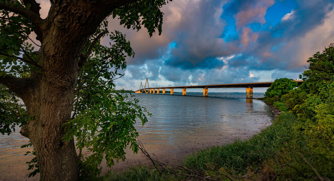 South Farø Bridge One of two road bridges that connect the islands of Falster and Zealand in Denmark by way of the small island of Farø