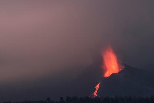 The Cumbre Vieja volcano continues to erupt on the Canary Island of La Palma