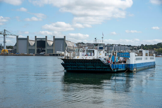 Torpoint, Cornwall, England, UK. 2021. Chain roro ferry departing Torpoint, Cornwall  and will cross the River Tamar to Plymouth, Devon. Cargo of vehicles and passengers.