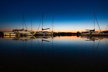 Fototapeta jezioro noc przystań ostróda pomost mostek plaża lato warmia mazury warmińsko-mazurskie obraz