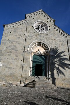 La Parrocchia di San Pietro nel borgo di Corniglia