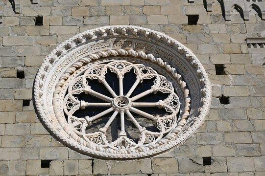 Rosone della Chiesa di San Pietro  a Corniglia
