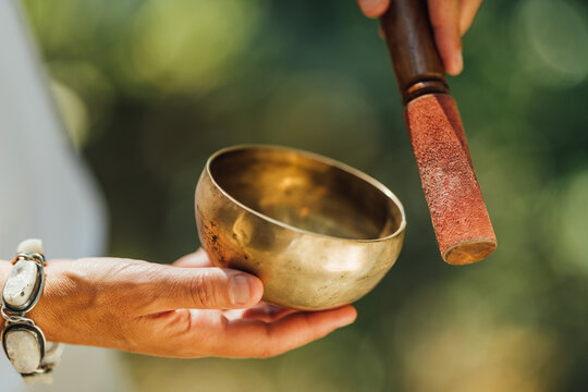 Sound Healing Therapy with Singing Bowl