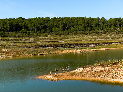 El Catllar reservoir, in Spain, in autumn