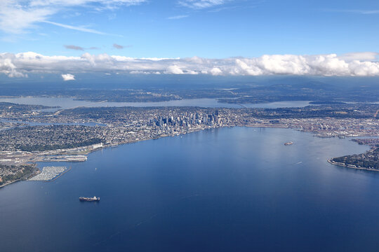 Seattle , Washington : Looking East over Elliot Bay towards downtown Seattle and beyond.